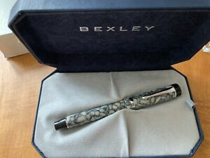 Bexley Classique Collection Cracked Ice  Fountain Pen  New and Boxed
