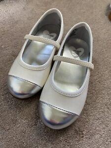 Stride Rite Toddler Girls Caroline Mary Jane White Silver Shoes Size 8.5 M