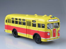 Scale model bus 1/43 Zis-155 red-yellow, with curtains