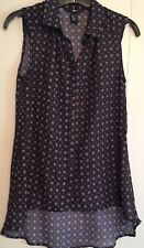 H&M Sleeveless Semi Sheer High-Low  Navy Mini Print Button Up Blouse Size 2