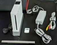 Nintendo Wii Gaming Console Sensor +Cords Gamecube Compatible White W/ 6 Games