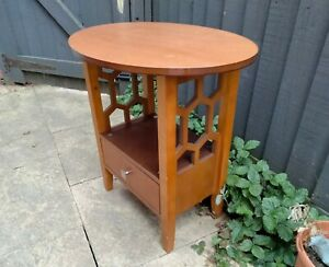 Vintage Retro c1990s Wooden Oval Top Lattice Side Lamp Occasional Table Drawer
