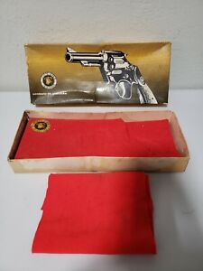 """BOX ONLY Collectible Taurus Brasil Calibre 38 Special Model 80 Cano 101 mm 4"""""""