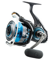 NEW 2017 Daiwa Saltist 2500 5.6:1 Saltwater Spinning Fishing Reel SALTIST2500