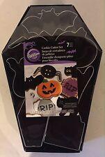 Wilton Halloween Coffin Bat Ghost Pumpkin Tombstone Spider Cookie Cutters 7pc