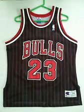 90's CHAMPION AUTHENTIC CHICAGO BULLS #23 MICHAEL JORDAN SIGNED JERSEY SIZE 44
