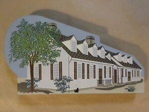 CATS MEOW Village - 1997 Chowning's Tavern Williamsburg, VA  - Shelf Sitter