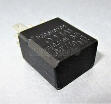 688-IVECO DAILY (97-14) 5-Pin multi-uso Nero RELAY 504049024 10/20A 677.50 12V
