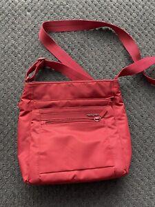 EUC Hedgren Cross Body Bag