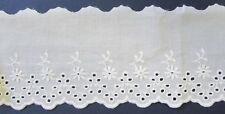 1 m Baumwollspitze rein weiß mit Lochstickerei und Bogenkante 8,5 cm