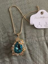 NEW Jewelery  Chain with Pendant Necklace