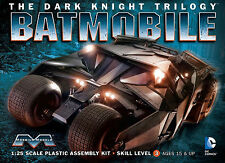 Moebius 1/25 Dark Knight Rises Tumbler Batman Batmobile Plastic Model Kit 943