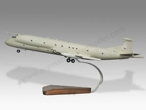 Hawker Siddeley Nimrod MR-2 RAF Duke of Edinburgh Mahogany Wood Desktop Model