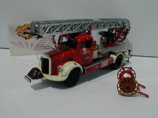 Minichamps 439350081 - Mercedes-Benz L3500 Feuerwehr Bensheim Baujahr 1950 1:43