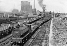 PHOTO  LNER CLASS J94 0-6-0ST  LOCO 1961 DARLINGTON BANK TOP RAILWAY STATION  FR