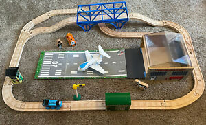 Learning Curve Thomas Train Wooden Jeremy and The Airfield Set!