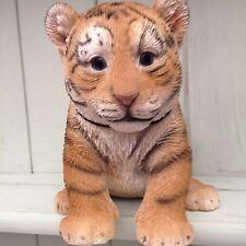 Tiger Cub Bebé Vivid Arts Decoración de jardín interior al aire libre