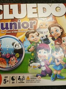 685 Cluedo Junior : The Case of the Missing Prizes   Age 5+   Players 2-5