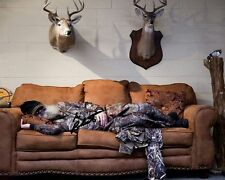 Si Robertson Duck Dynasty Signed 8X10 Photo Rp Asleep on Couch Deer Heads Camo