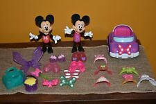 DISMEY MINNIE MOUSE LOT 20 SNAP OUTFITS CAR BOW FAIRY WINGS WAND FLOWERS GUC