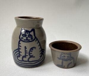BBP 1997 Small Stoneware Gray Vase Crock/Vase/Bottle And Cup Blue Cat Design