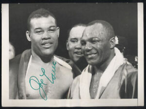 JOE LOUIS SIGNED PHOTO (PSA/DNA AUTHENTICATED)