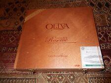 Beautiful solid wood cigar box, hinged lid. Oliva Churchill 7 x 50