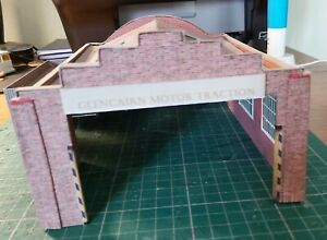 OO gauge 4mm/ft 1/76 scale handcrafted bus depot model building in card