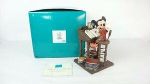 Disney WDCC 4009062 Christmas Carol Mickey Mouse Earnest Employee w/COA