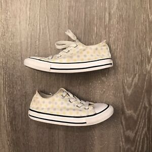 Converse All Star Dotted Chuck Taylor Sneakers Infant/Toddler Girl's size 10
