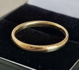 Antique 18ct Yellow Gold Wedding Ring . Birmingham 1935 . By H . Samuel Ltd