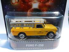 2015 Hot Wheels HOLLYWOOD *CLOSE ENCOUNTERS* 1979 Ford F-250 Service Truck *NIP*