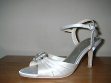 IVORY SATIN BROOCH TRIM PEEP TOE ANKLE STRAP HEELS WEDDING  OCCASION SHOES  5/38