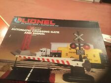 LIONEL 6-62162 AUTOMATIC CROSSING GATE & SIGNAL - NEW