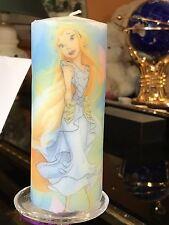 DISNEY FAIRIES RANI HAND DECORATED PILLAR CANDLE 50hrs 15x6cm