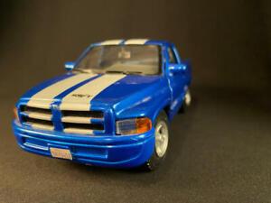 Maisto 90's Blue Dodge Ram 1500 V8 Magnum SS/T California Truck 1/24 Diecast