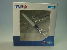 """Herpa Wings Airbus a330-300 Turkish Airlines """"em 2016"""" - 529556 - 1/500"""