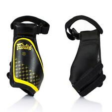 Fairtex Muay Thai Boxing Black-Yellow Lightweight Thigh Pads