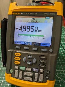 Fluke 199C 200MHz Scopemeter 2ch Oscilloscope And Multimeter And Recoder