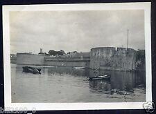29 . Concarneau . scène du port . photo originale de 1918 . Finistère
