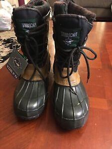 Yukon all weather Rain/ Snow Boots, Lace-Up women size 8