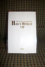 "King James Version New Testament Bible White Pocket Purse Size 5""x3"" Gold Edges"