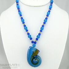 OCEAN BLUE GLASS BEAD NECKLACE SHELL SHAPE PENDANT EUC SUMMER BEACH