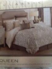 Croscill Madeline queen comforter set, New, $420 Retail