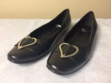 White Mountain Womens Shoes Size 7 M  Leather Slip On Black Heart Heel 3/4 IN