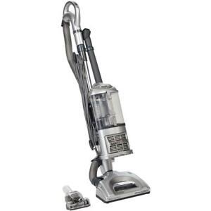 Shark UV440 Navigator Lift-Away Deluxe Bagless Upright Vacuum Cleaner