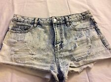 Forever 21 Women's Short Shorts Size 29 Distressed Light Washed