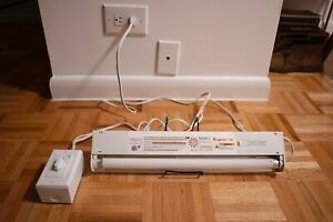 Rayminder UVB Midband Ultraviolet Lamp with Timer for ECZEMA and PSORIASIS
