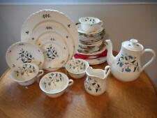 Wedgwood Wild Flowers shell edge creamware THIRTY-SEVEN piece starter set TK511