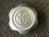 GENUINE TOYOTA HILUX SR 4x4 2005-2015 Centre cap for STEEL WHEELS- x 1